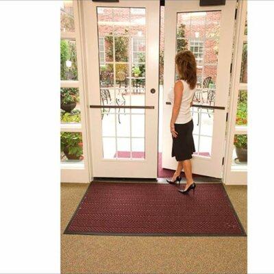 whee_classic_regalred_lady_open_door_image