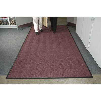 whee_classic_regalred_two_persons_on_mat_image